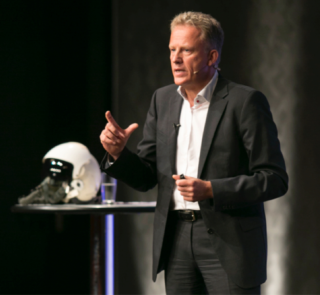 Keynote Speaker Holger Lietz - Kampfpilot. Manager. Speaker.
