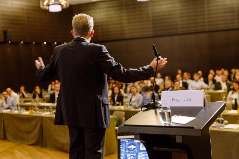 Vortrag von Holger Lietz - Richtig entscheiden mit der Kampfpiloten-Methode, Photo: Maik Schulze I MIKA Fotografie